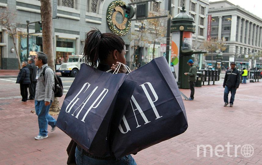 Покупки в магазине GAP. Фото Getty