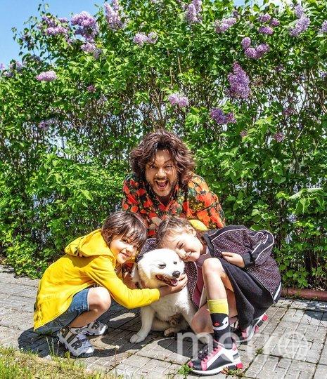 Филипп Киркоров с сыном и дочкой. Фото instagram.com/fkirkorov.