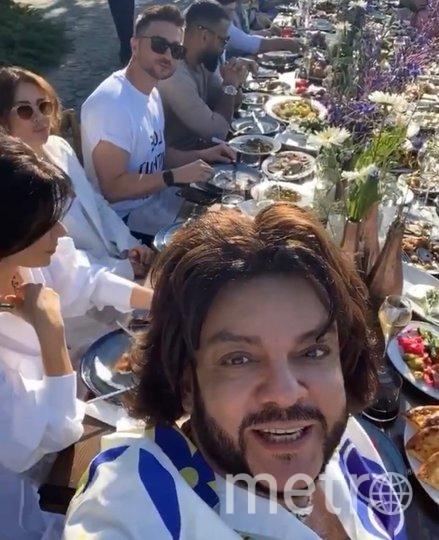 Филипп Киркоров с гостями праздника. Фото instagram.com/fkirkorov.