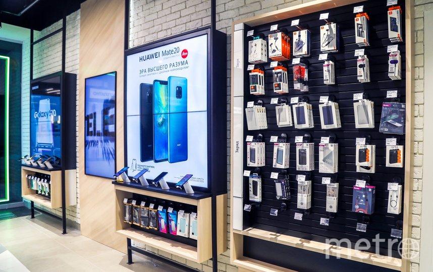 В период до 31 июля включительно абоненты Tele2 могут приобрести в салонах оператора смартфоны Huawei со скидкой 30%. Фото предоставлено компанией Tele2