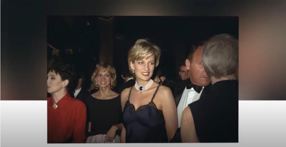 Платье Дианы на Met Gala. Фото скрин-шот, Скриншот Youtube