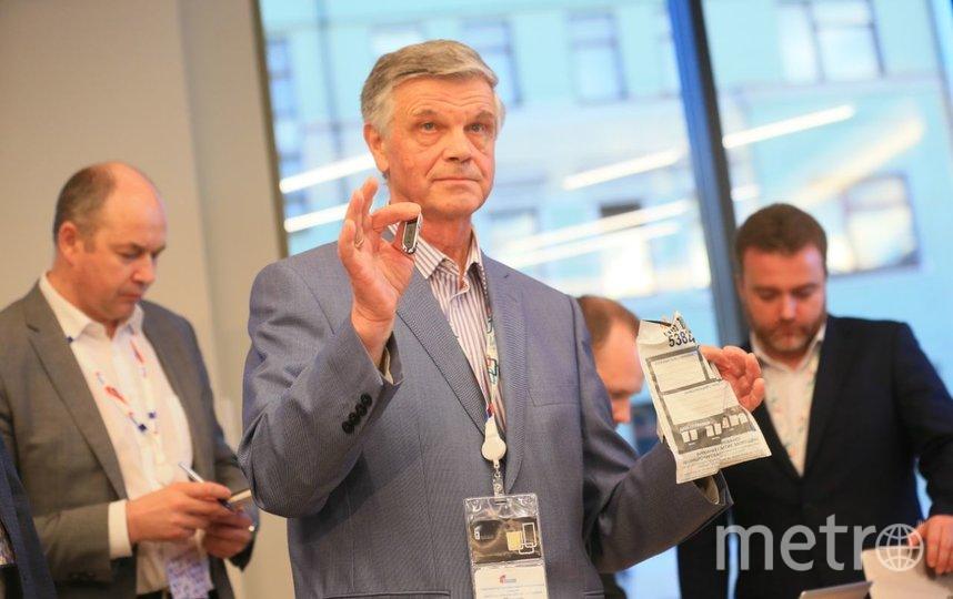 Расшифровка ключей электронного голосования. Фото Василий Кузьмичёнок