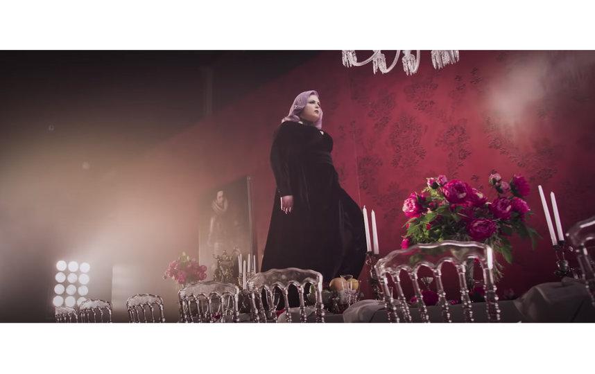 """Скриншот из видеоклипа на песню """"Фотосессия"""" группы """"Ленинград"""". Фото Скриншот Youtube"""