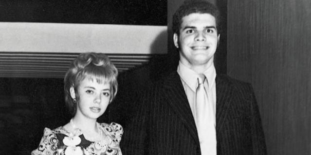 23 декабря 1971 года, Джулиана на выпускном балу – всего за день до авиакатастрофы.