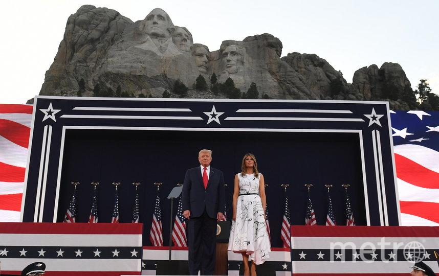 Мелания Трамп рисоединилась к своему мужу на праздновании в Южной Дакоте. Фото AFP