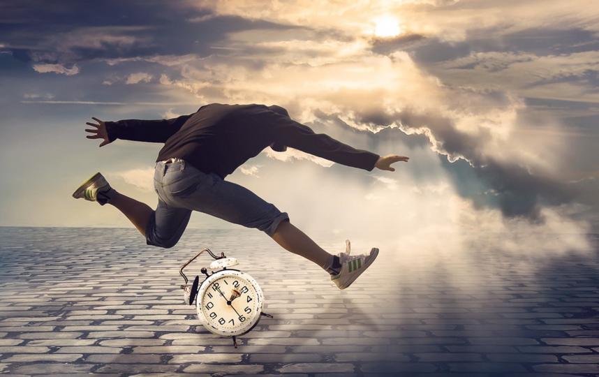 Мы получаем меньше впечатлений. И именно поэтому наш мозг начинает подавать нам сигналы о том, что дни проходят очень быстро. Фото Pixabay