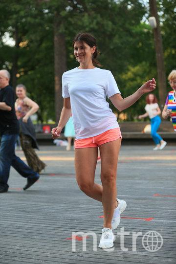 Инженер Елена танцует, чтобы раскрепоститься. Фото Василий Кузьмичёнок