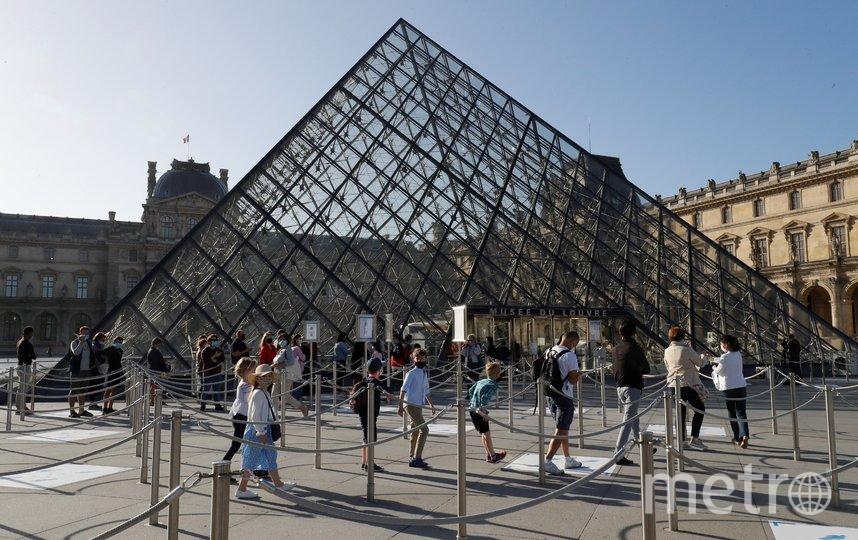 Лувр был закрыт 13 марта. Фото AFP