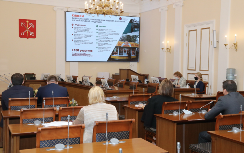 """Рабочее совещание губернатора Александра Беглова с членами городского правительства. Фото gov.spb.ru, """"Metro"""""""