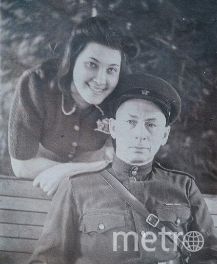 """Абрам Кагановский со старшей дочерью Аллой. Вместе они прошли пол-войны. Фото из личного архива Татьяны Кагановской, """"Metro"""""""