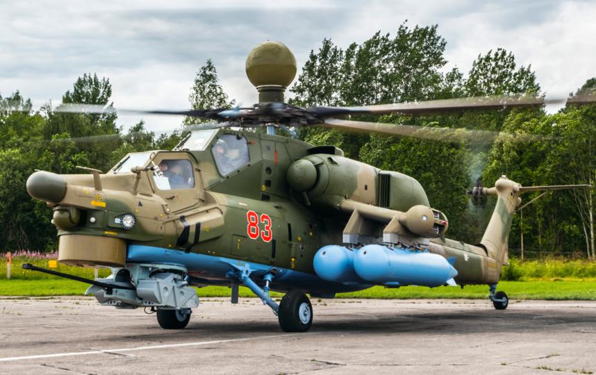"""Церемония передачи двух учебно-боевых вертолетов. Фото Пресс-служба ЗВО, """"Metro"""""""