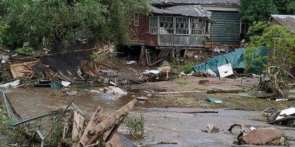 Подмосковная Руза приходит в себя после удара стихии: свежие кадры с места событий