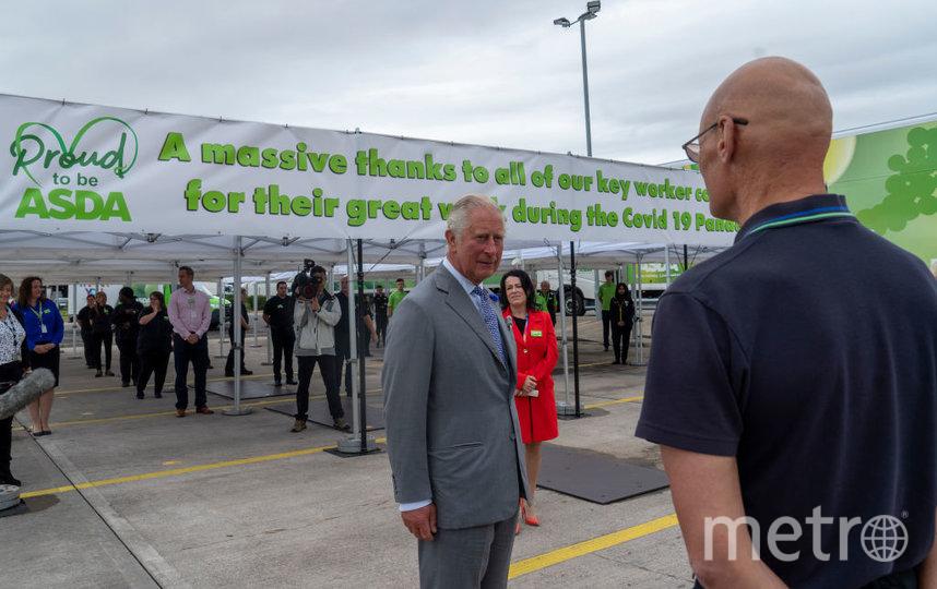 Фото визита принца Чарльза в торговый центр. Фото Getty