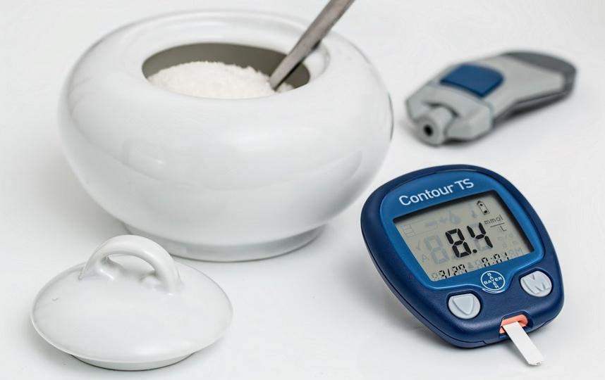 Как установили учёные, люди с повышенным уровенем сахара в крови (около 7 миллимоль на литр) умирали от осложнений, которые вызывает Covid-19, примерно в 2,3 раза чаще, чем остальные пациенты. Фото pixabay.com