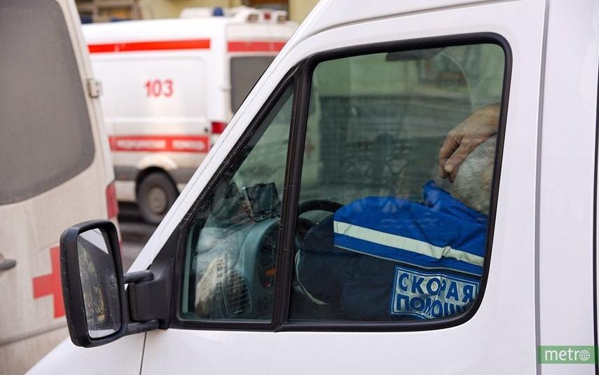 """Девушку пытались спасти две бригады врачей. Фото Василий Кузьмичёнок, """"Metro"""""""