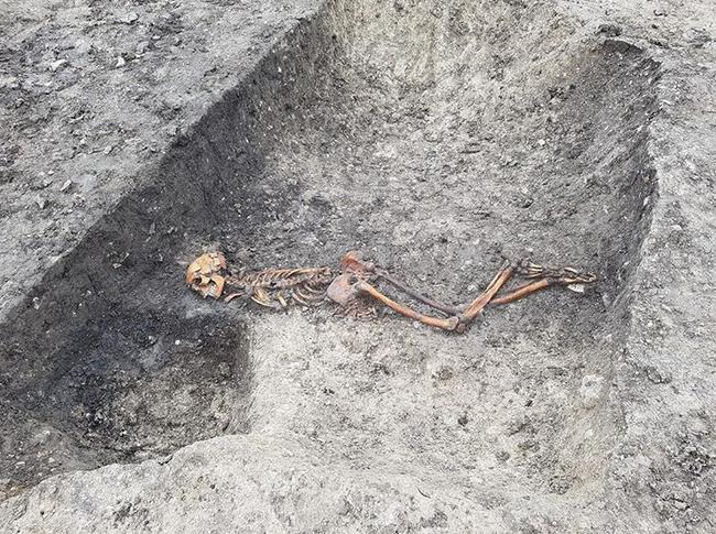Мужчина  был погребён лицом вниз в канаве со связанными за спиной руками. Фото скриншот Instagram @hs2ltd