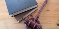 В Екатеринбурге вынесли приговор трём экс-полицейским по делу об изнасиловании