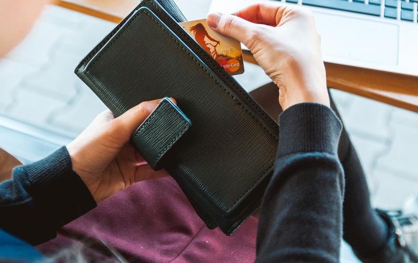 Банковский кассир, путем обмана и злоупотребления доверием, перевела денежные средства со счета клиента на свой. Архивное фото. Фото pixabay.com