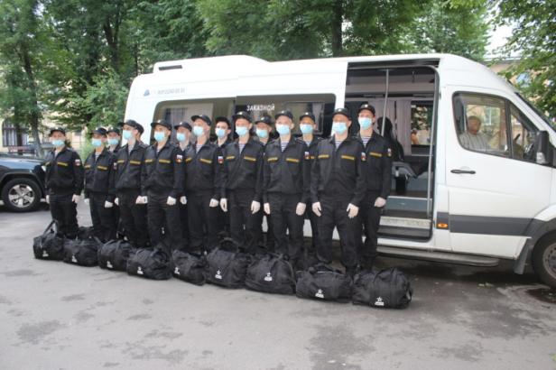 """В военкомате все призывники прошли тест на коронавирус дважды. Фото https://lenobl.ru/, """"Metro"""""""