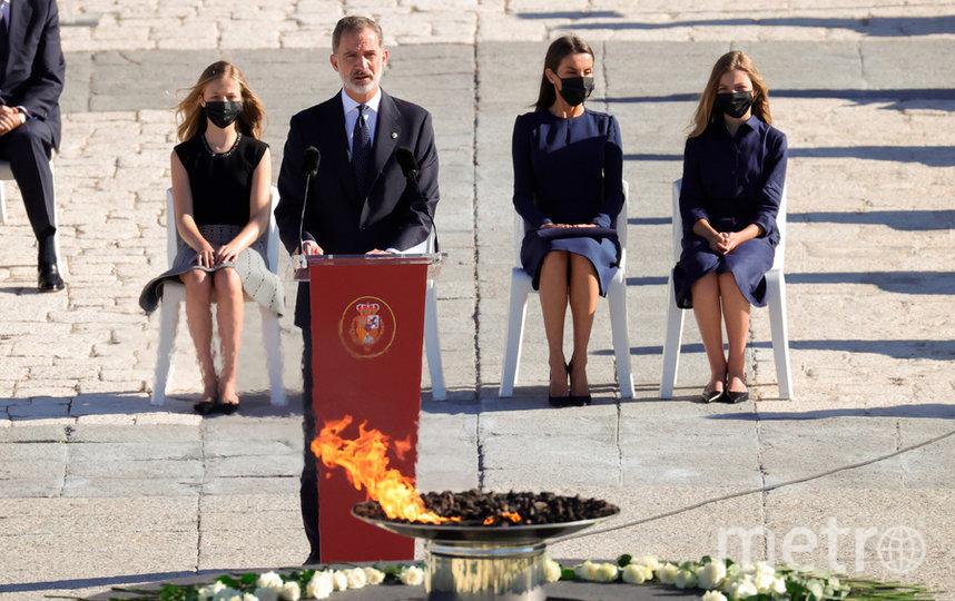 Король Испании Филипп VI с супругой Летицией и детьми. Фото AFP