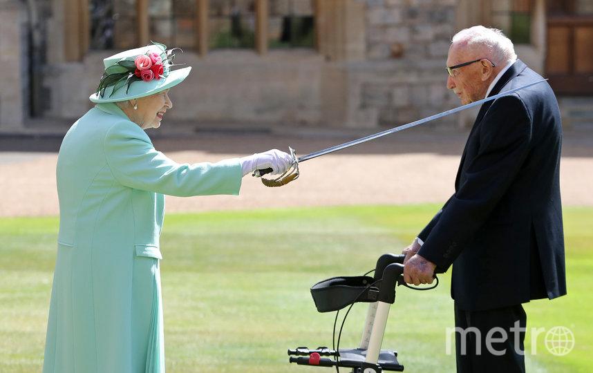 Королева Елизавета и Том Мур. Фото Getty
