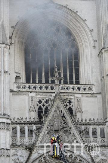 Внешне здание не сильно пострадало. Фото AFP