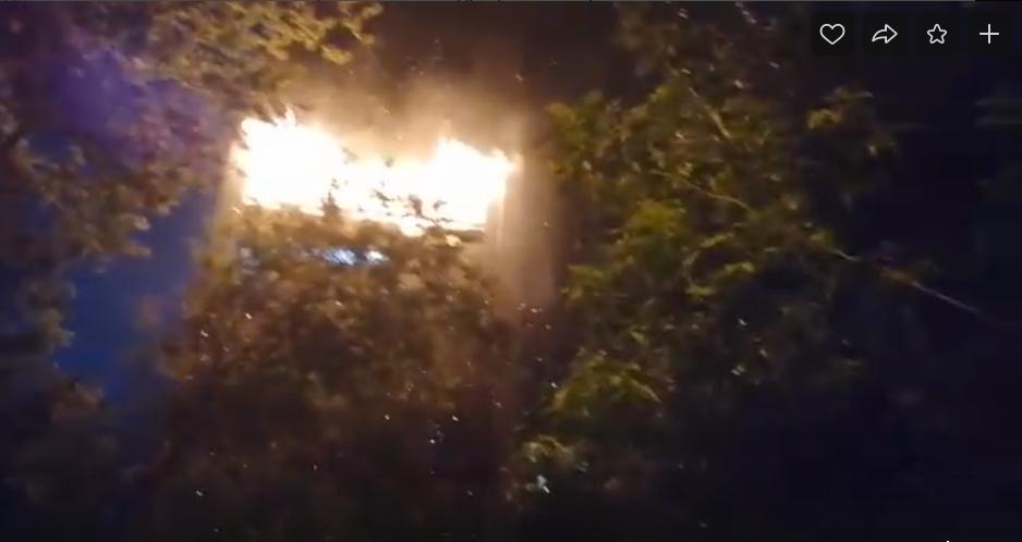 Огнем была охвачена вся квартира. Фото vk.com