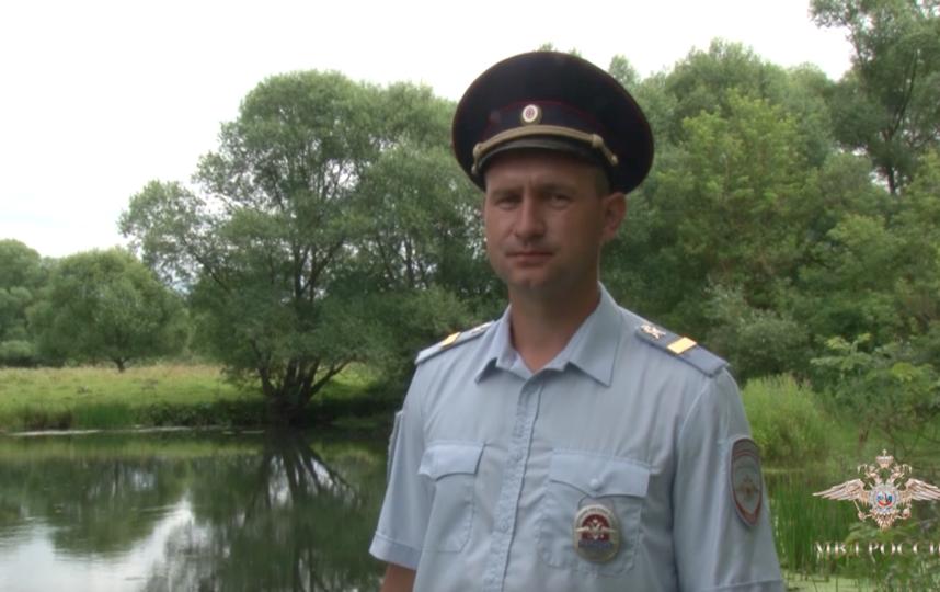 Герой-полицейский. Фото скриншот видео/МВД России
