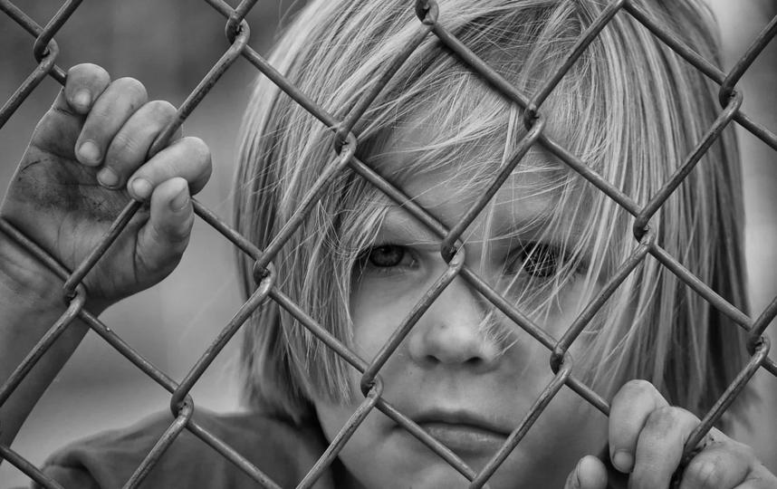 Малыша с телесными повреждениями нашли возле КПП. Идти домой он отказывался. (Архивное). Фото Pixabay