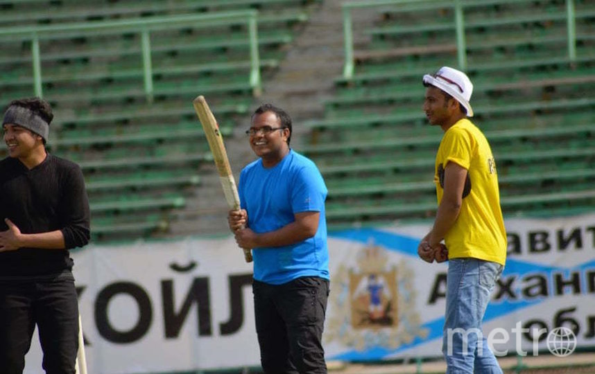 Правин Доркхе играет в крикет. Фото предоставлены Правином Доркхе