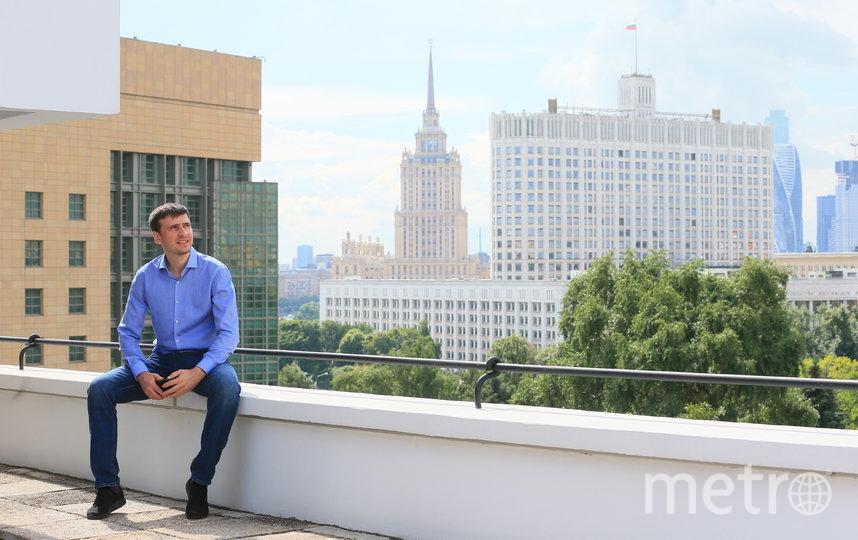 Репортёр Metro на крыше Дома Наркомфина. Фото Василий Кузьмичёнок