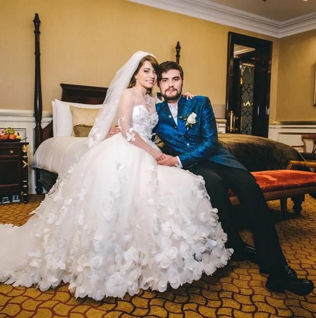 Первая свадьба девушки, 2015 год. Фото Instagram @k_syaba