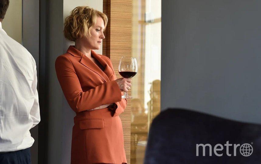 Главную героиню Арину Алферову, чиновницу регионального Минздрава, играет Виктория Толстоганова. Фото PR «Киностудия КИТ»