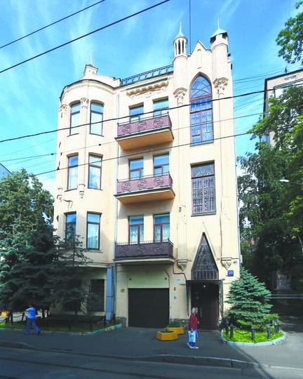 Сейчас дом Фролова – жилой, на каждом этаже – по одной квартире. Фото Василий Кузьмичёнок