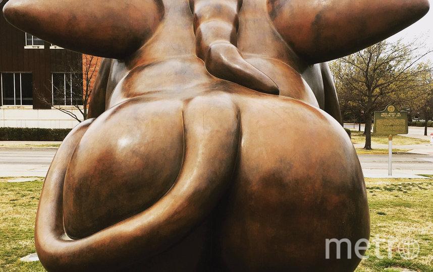 Бронзовая статуя, работа Фернандо Ботеро. Фото Twitter, @fjjma