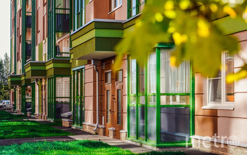 Вход на уровне земли становится стандартом в современных жилых комплексах. Фото ГК «КВС»
