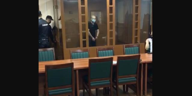 Суд оставил под стражей мужчину.