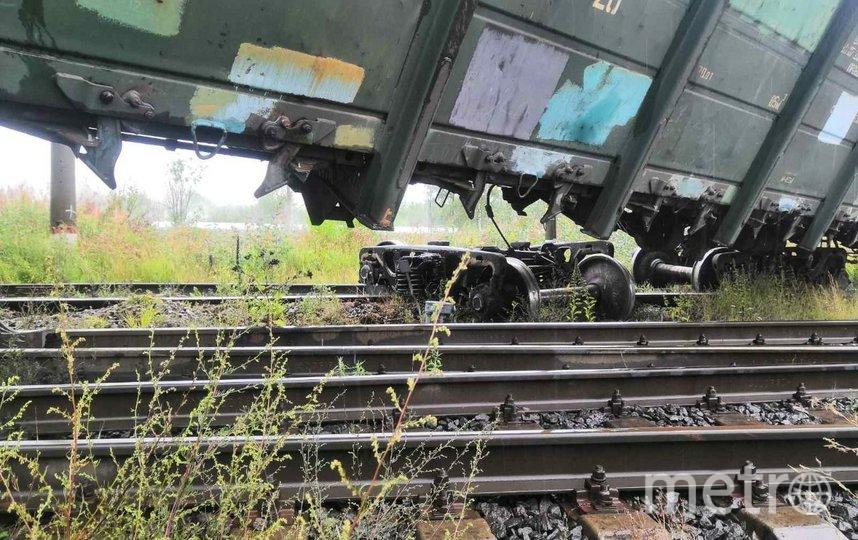 """Фото с места столкновения электропоездов. Фото МЧС Петербурга, """"Metro"""""""