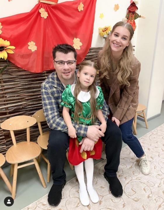 Гарик Харламов с дочерью. Фото Instagram @asmuskristina