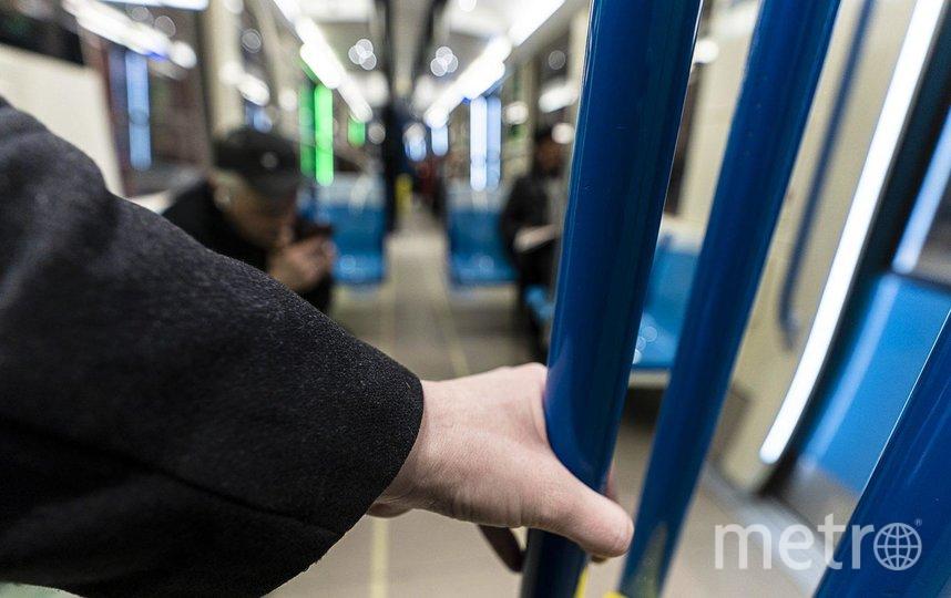 В метрополитене всего мира стали намного тщательнее и чаще протирать поручни и прочие места, к которым прикасаются пассажиры. Фото Josie Desmarais, Metro Montreal