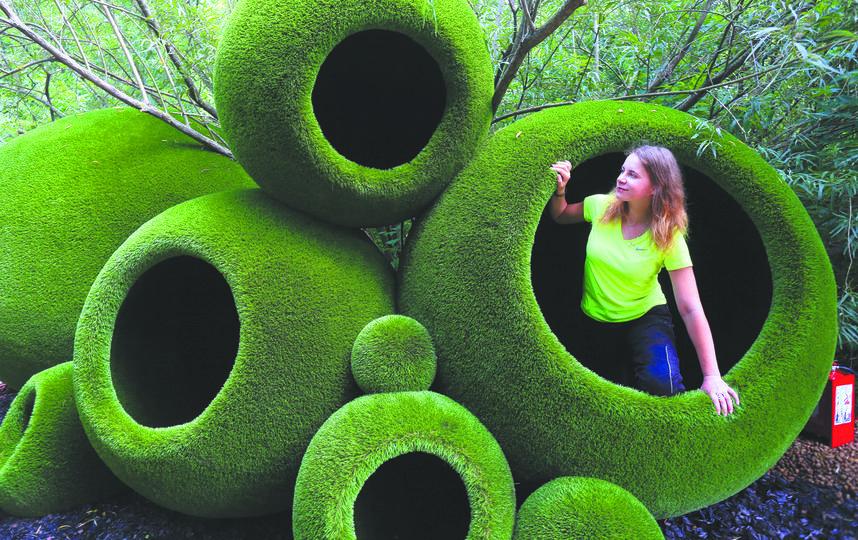 """1. Сказочные зелёные пещеры-шары. Фото Василий Кузьмичёнок, """"Metro"""""""