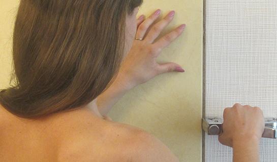 ISOTEX легко установить, они собираются на стене подобно ламинату.