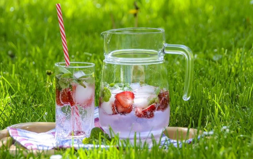 Закупитесь шашлыками, овощами и фруктами, возьмите плед и отправляйтесь на природу. Фото pixabay.com