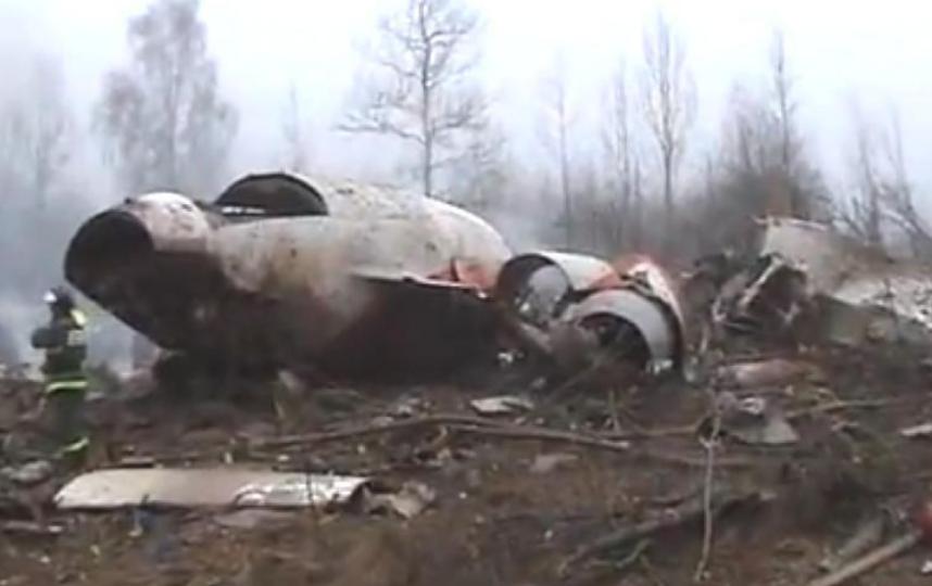 На авиалайнере находились 96 человек, которые направлялись на траурные мероприятия в Катыни. Все находящиеся на самолёте погибли в результате авиакатастрофы. Фото Скриншот Youtube