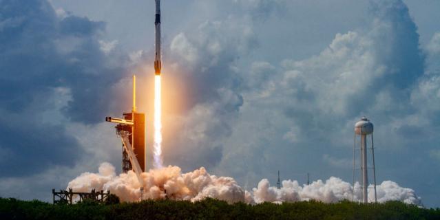 Это запуск ракеты в мае 2020 года.
