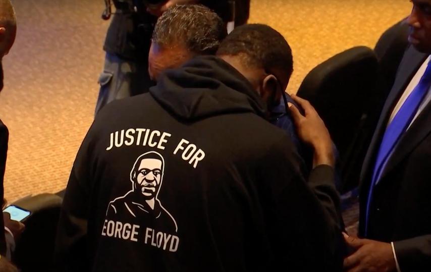 Траурная церемония была 8 и 9 июня в Хьюстоне, где прошло детство Джорджа Флойда. Фото скриншот трансляции церемонии