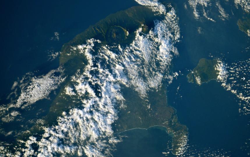 """Бали сфотографировали из космоса. Фото Скриншот Twitter: @ivan_mks63, """"Metro"""""""