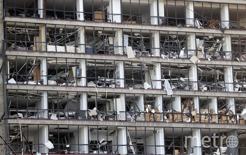 Причиной мощных взрывов в портовой зоне Бейрута стали 2750 тонн хранившейся на складе аммиачной селитры. Фото AFP