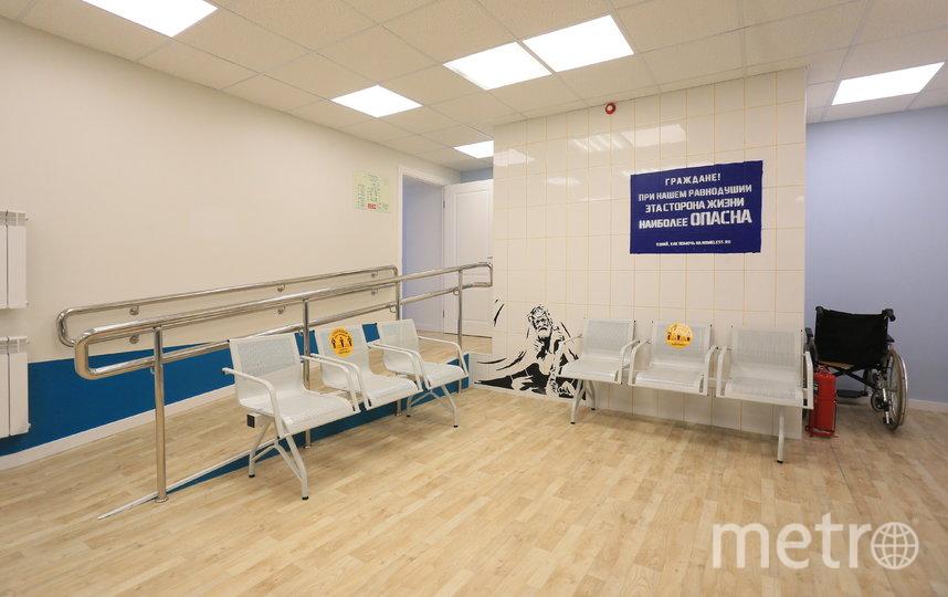 На первом этаже здания расположен консультационный центр с залом ожидания. Фото Василий Кузьмичёнок