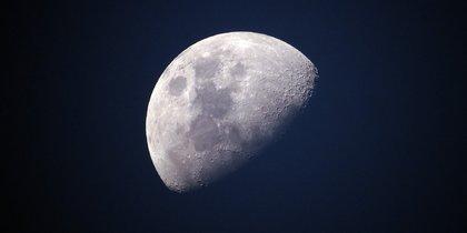 Рогозин рассказал, что нужно сделать для пилотируемого полёта на Луну